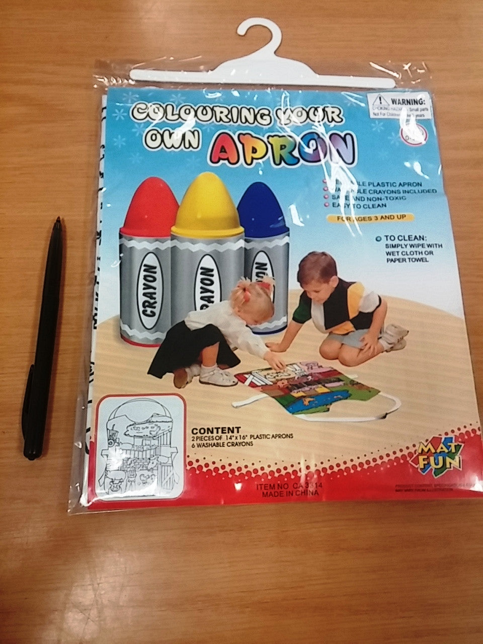 Colour in Apron with 6 washable  crayons (12/set) - Edunique