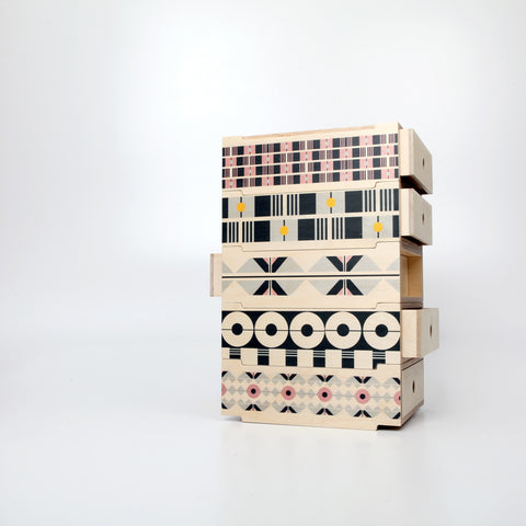 De Style stackable wooden drawers