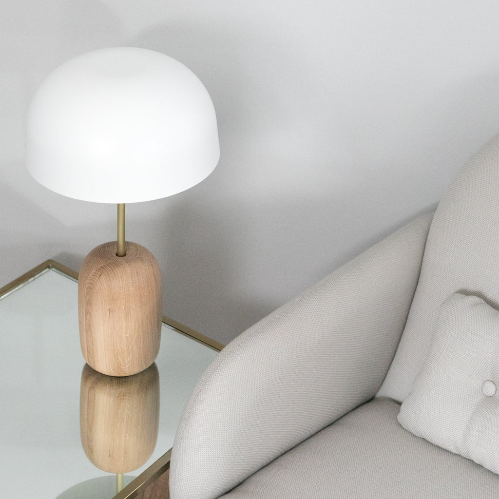 white_lamp_harto