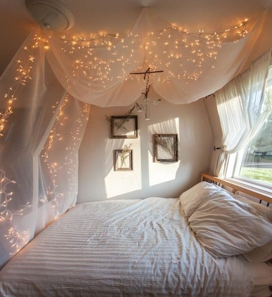 bedroom_festive_lights