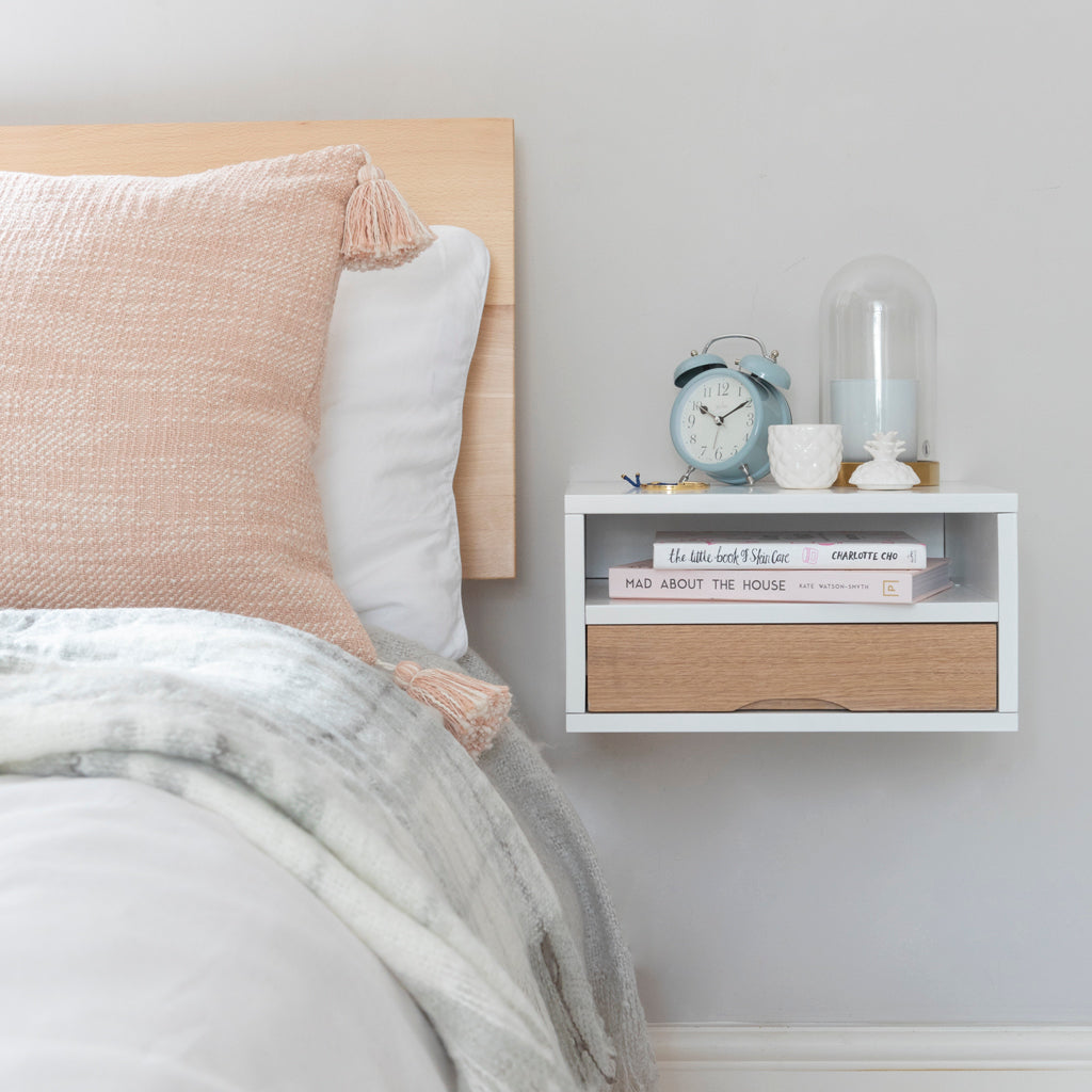 Floating bedside in white with oak front drawer