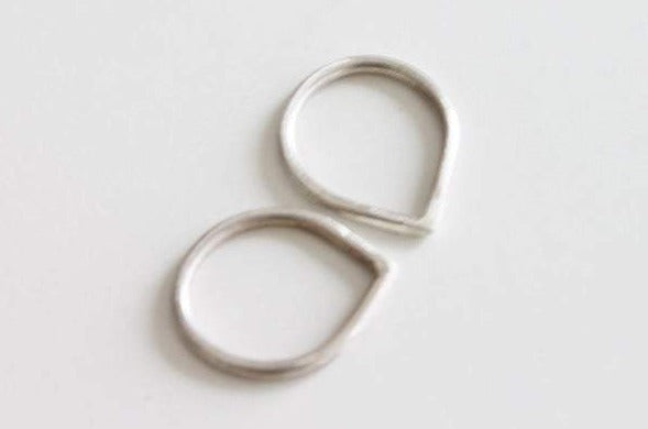 Set of two dainty silver teardrop unisex ring