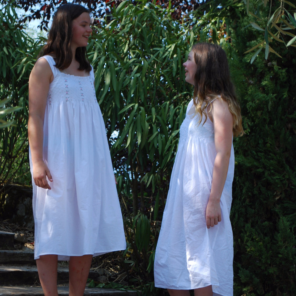 teen nightdress White Rosebud Teen Nightie