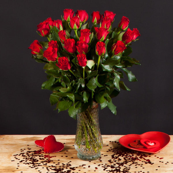 12 Valentine Red Roses