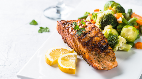 Salmon with steamed vegetables