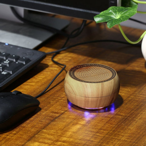 Mini Wooden Chess Wireless Bluetooth Speaker Portable USB Speaker Support TF Card Stereo Music Super Bass Speakers Handfree Gift
