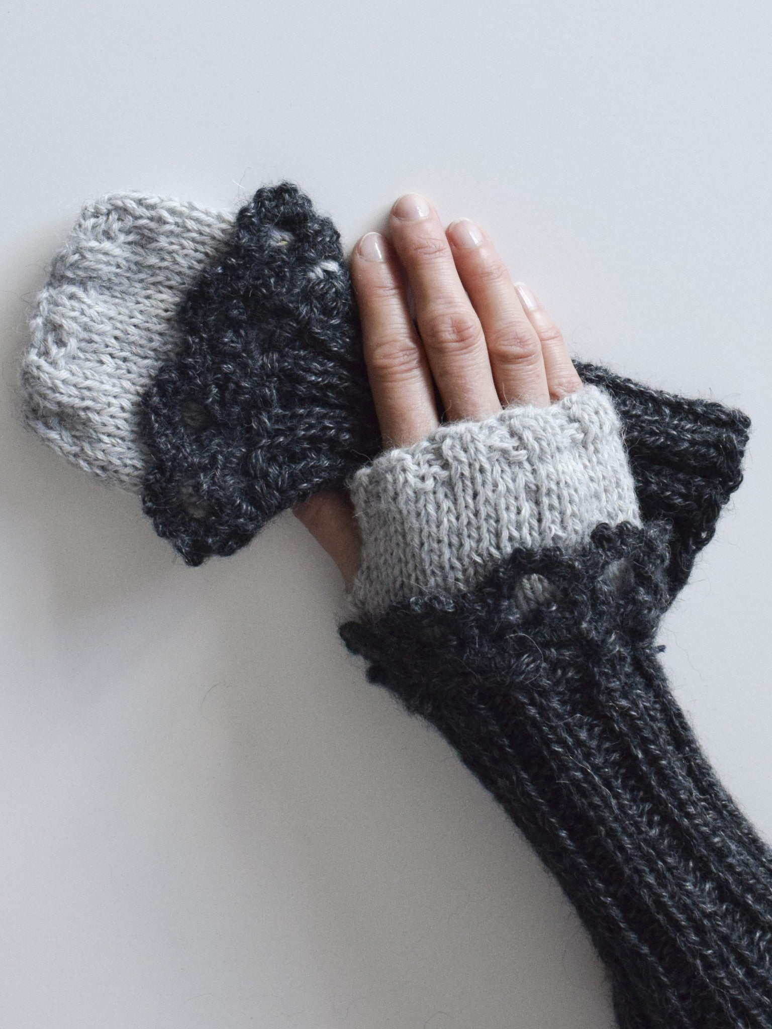 The Gloria Fingerless Gloves