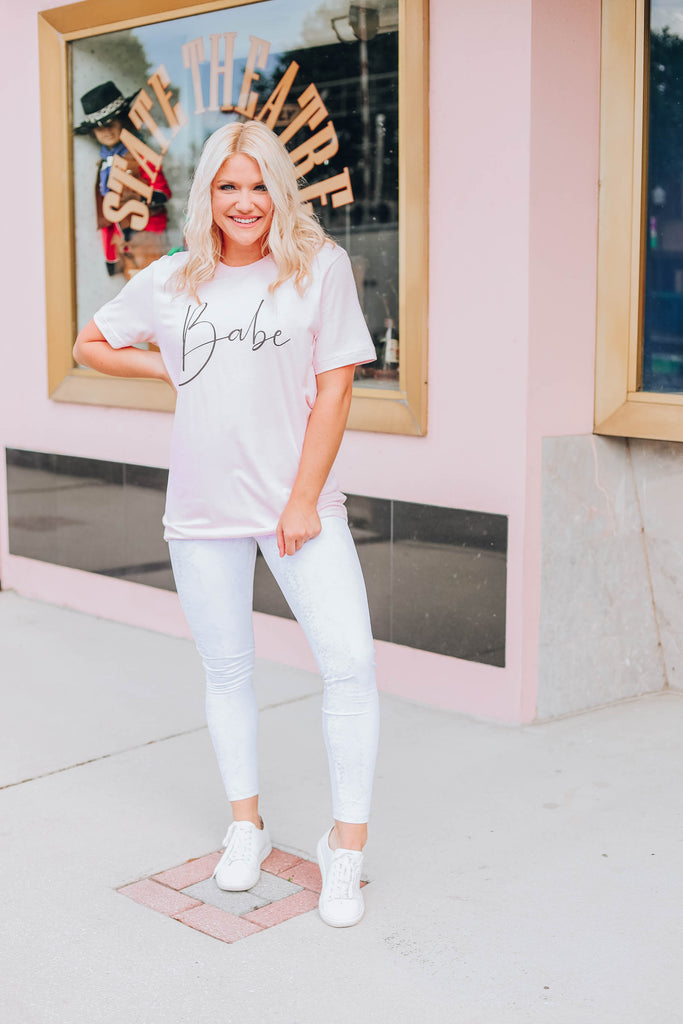 Babe Graphic Tee - Pink