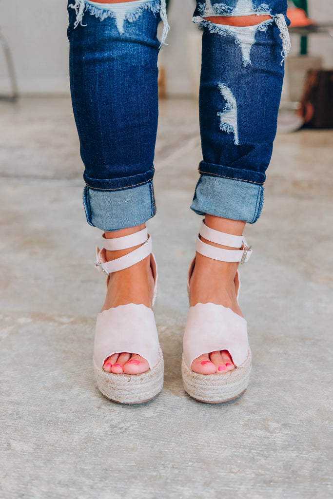 Jade Scalloped Wedges - Nude