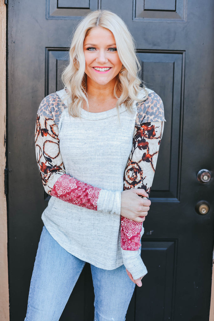 Don't Let Go Of Love Top - Grey Multi
