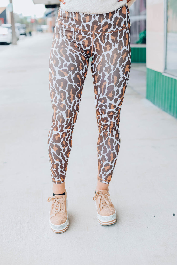 Worth The Chase Leggings - Tan