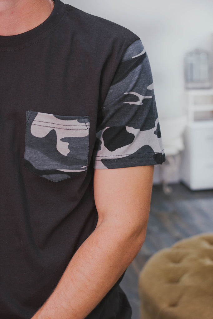 WHISKEY DUDE - Bentley Camo Sleeve Top