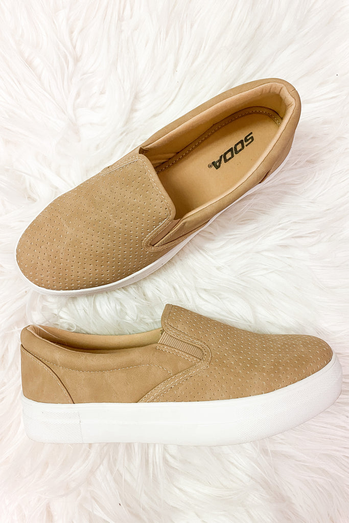 Dally Camel Sneakers