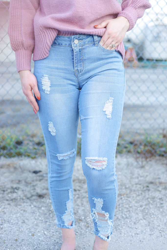 """Urban Chic"" Distressed Jeans"