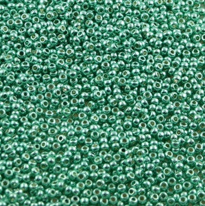 15/o Japanese Seed Beads Permanent P484 - Beads Gone Wild