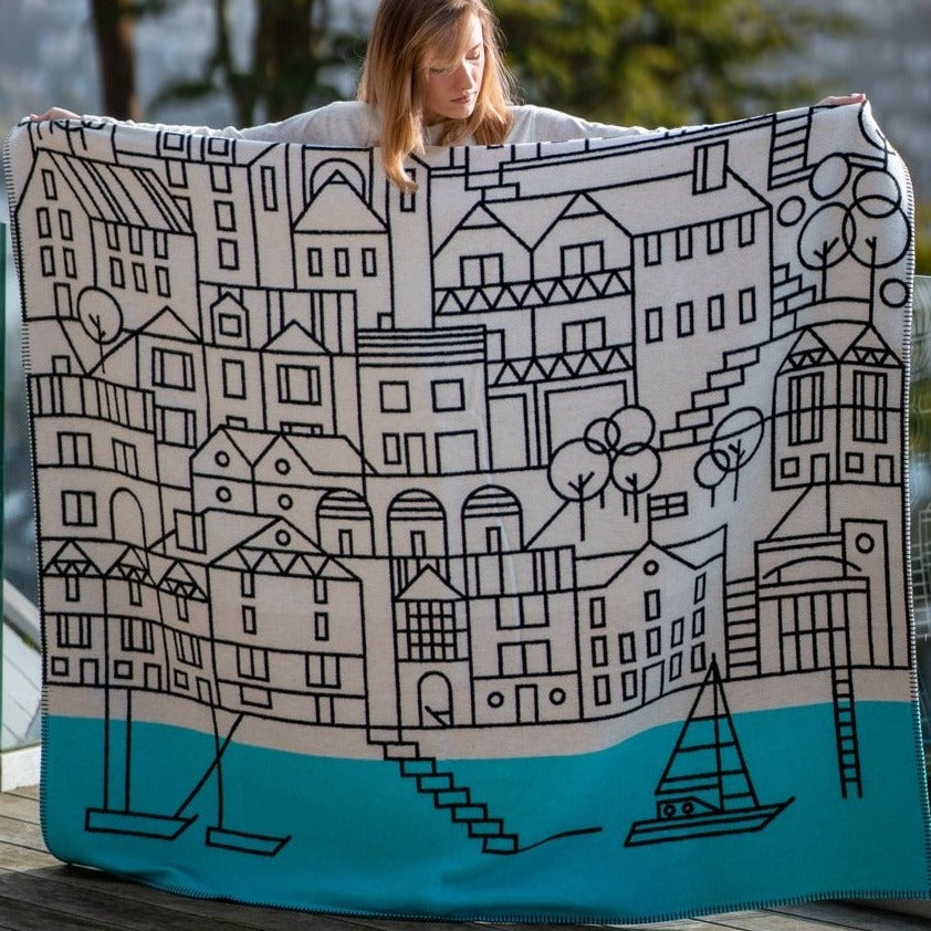 BERT & BUOY BLANKET THROW DARTMOUTH