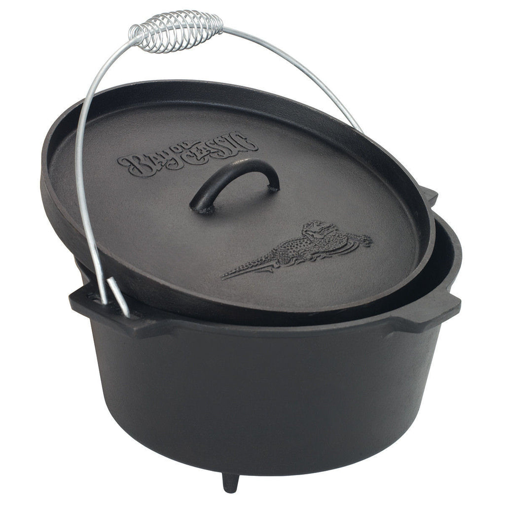 Bayou Classic 8.5 Quart Camp Dutch Oven w/ Legs