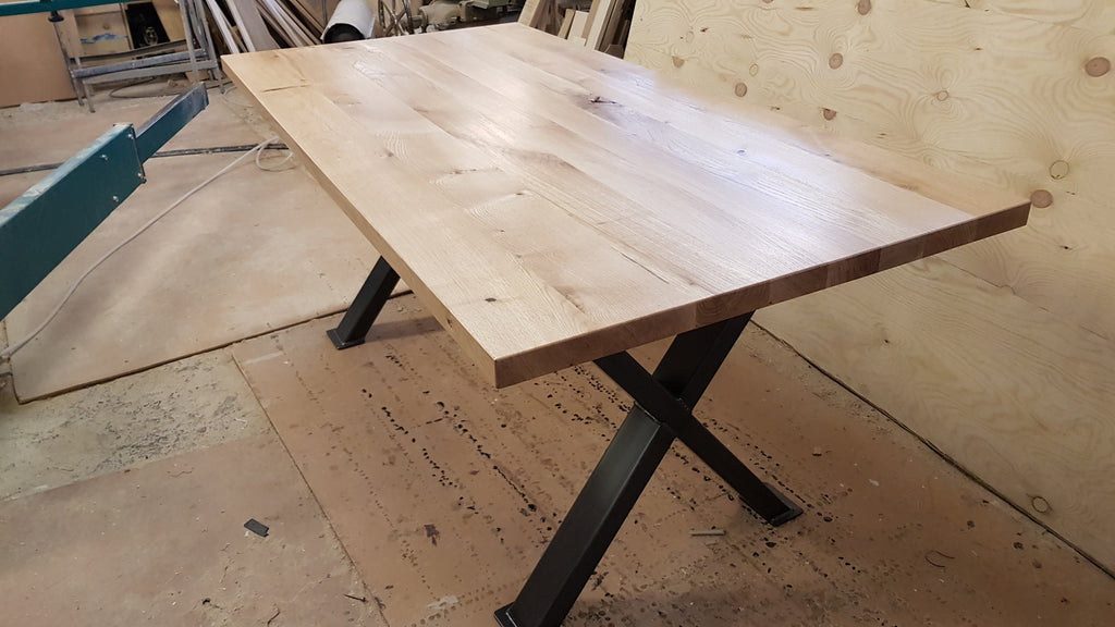 Picture of: Oak Kitchen Or Dining Table Metal Legs And Solid Oak Rustic Top Thereallygoodoakshop