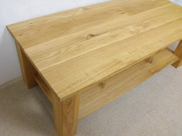 Coffee table in Oak 800 to 1200mm x 450mm with shelf, ideal for the, living room, lounge or conservatory.