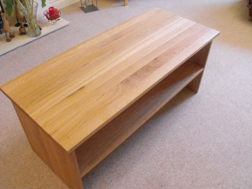 Solid end coffee table in Oak, various sizes, with shelf, ideal for the, living room, lounge or conservatory.
