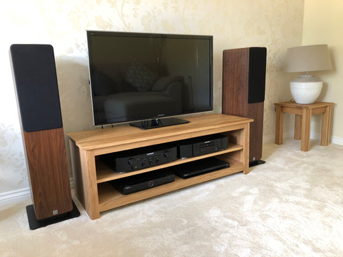 Large 1500mm Solid Oak TV Unit, Cabinet , Stand or Hifi unit