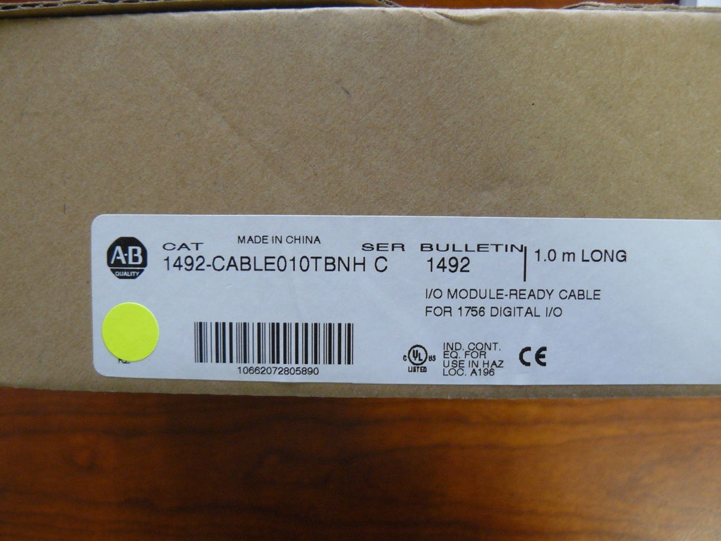 CABLE010TBNH BRAND NEW! Allen Bradley CAT 1492 1.0M Cable SERIE C