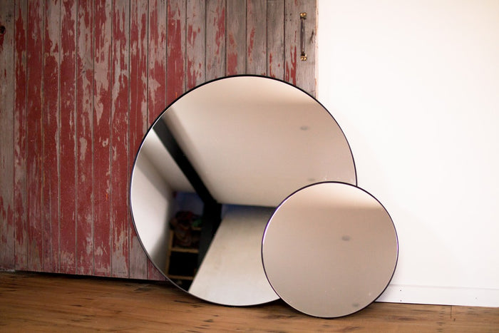 Outline Round Wall Mirror