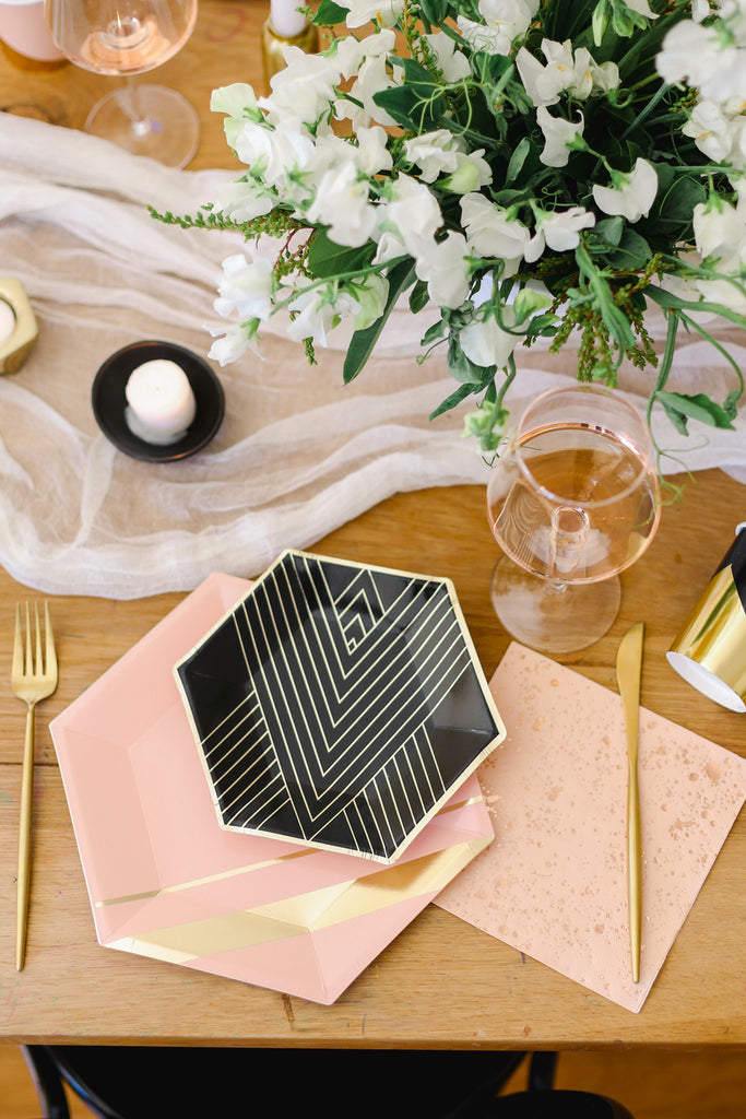 How To Host A Dreamy Bridal Shower Part 2: A Stunning Tablescape