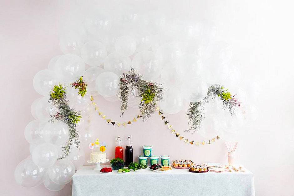 How To: DIY Balloon Arch