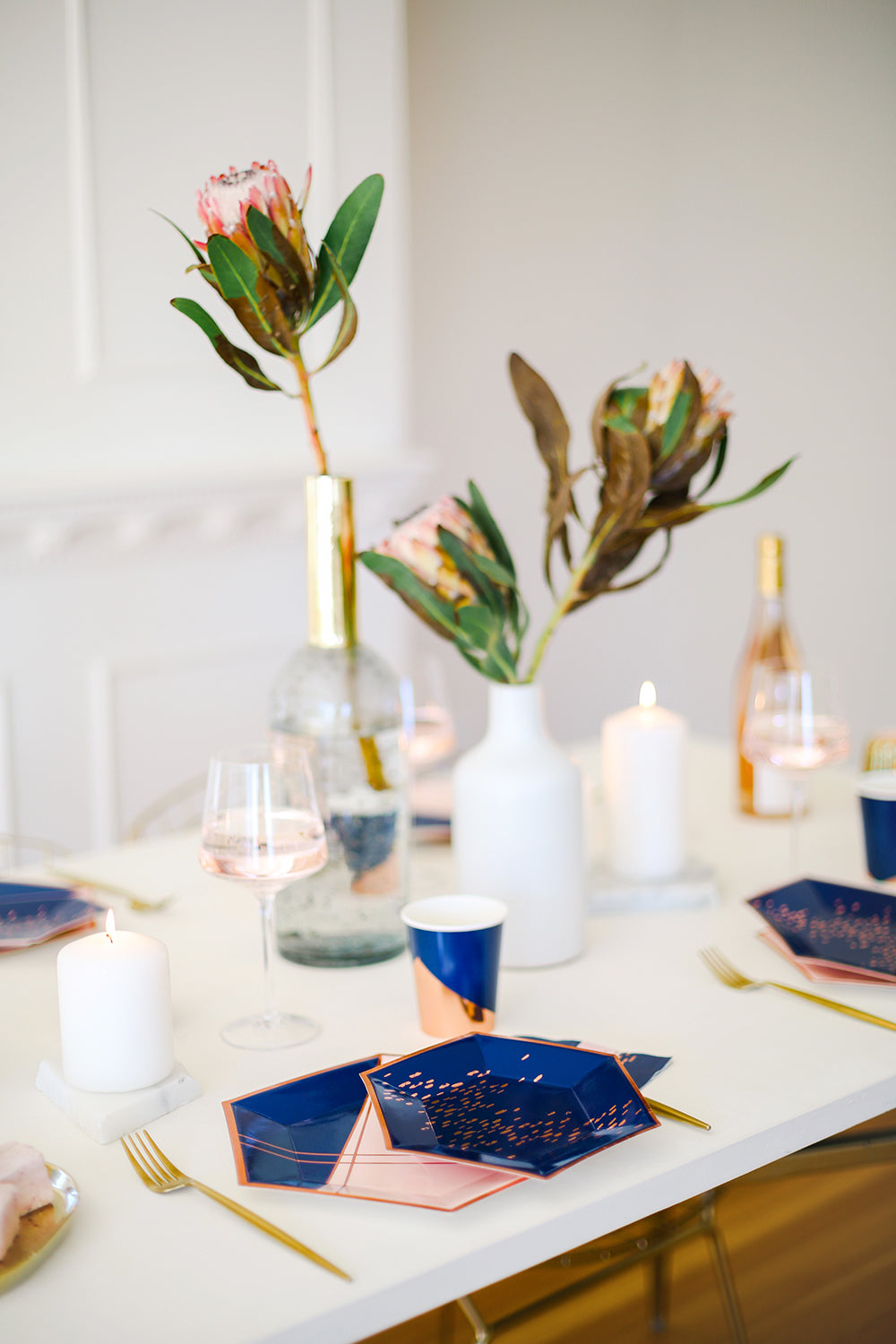 modern pink and blue table setting