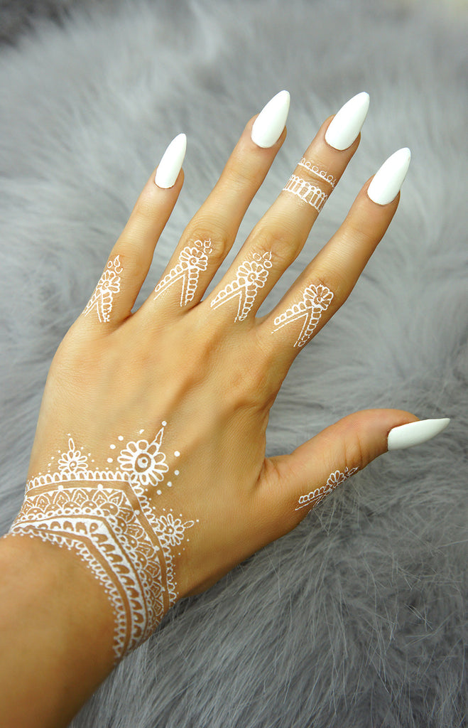 """Henna Love Decoration"" - White - TopFoxx"