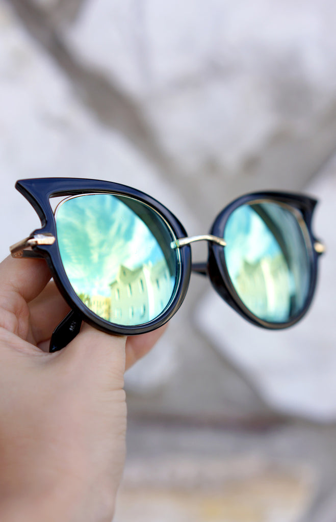 ButterFly Sunnies - Black/Aqua