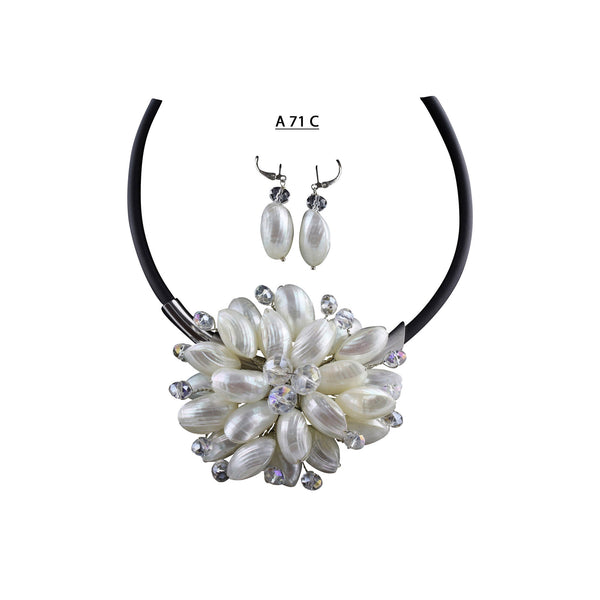 White Shells Flower with Faceted Clear AB Crystals Center and Clear AB Highlights Necklace Set.