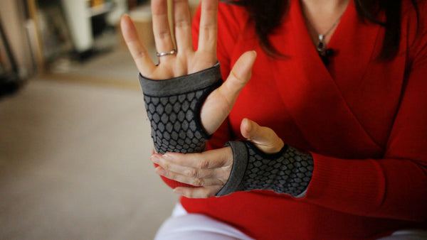 Bamboo Pro™ Self Warming Carpal Support