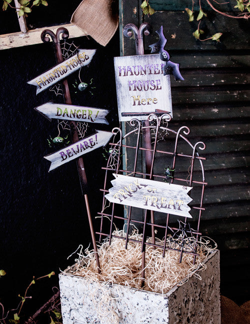 F8095 Spooky Signs & Gate - Asst. 3 The Round Top Collection - FancySchmancyDecor