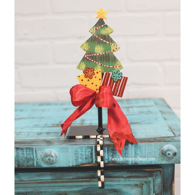 Tree with Gifts Finial The Round Top Collection Y16011
