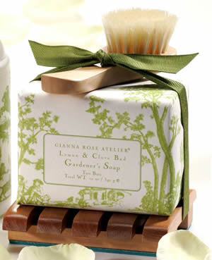 Gianna Rose Gardner's Soap and Wooden Tray Set