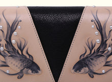 Shimmering Yu Clutch - Black and Original