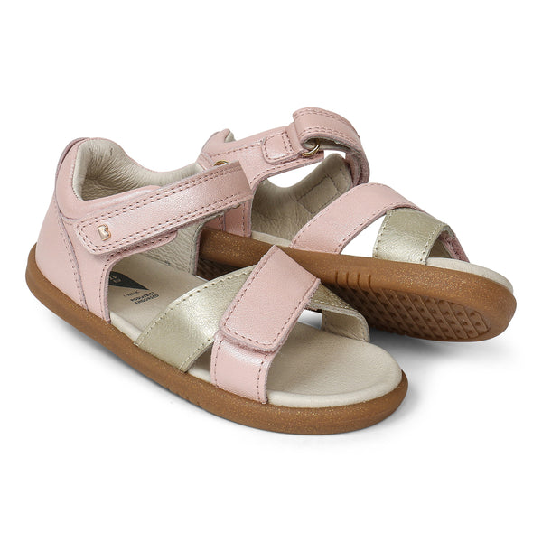 i-walk Sail Sandal | Seashell + Gold