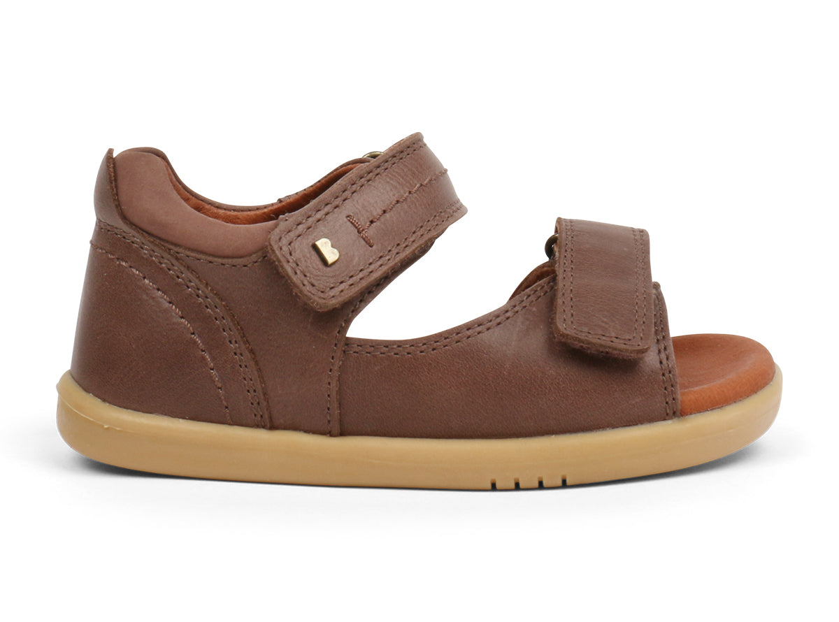 i-walk Driftwood Sandal | Brown