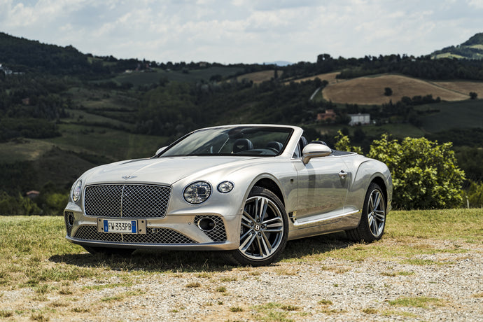 Bentley: protagonist of a century (and a collectible tie)