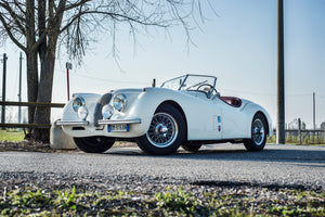 <p>Jaguar XK120: <br>the luxury of speed</p>