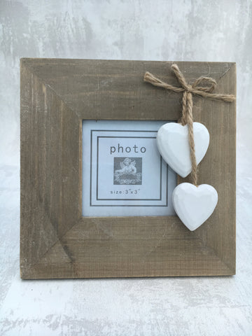 Square wooden heart frame - Home Bee