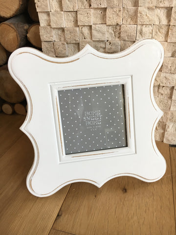 White scalloped wooden frame - Home Bee