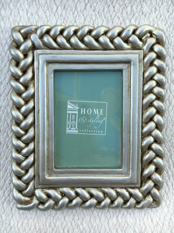 Mini rope picture frame