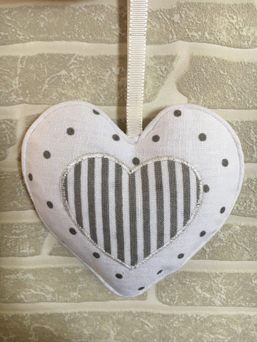 Lavender hanging heart - Home Bee