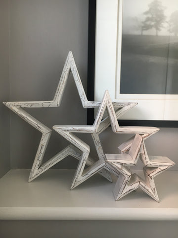 White mantle piece stars - Home Bee