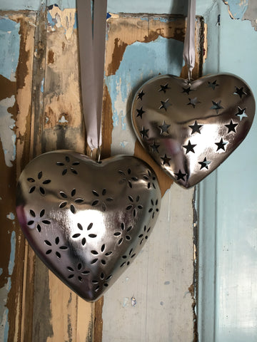 Decorative metal heart with flower cutout, medium - Home Bee