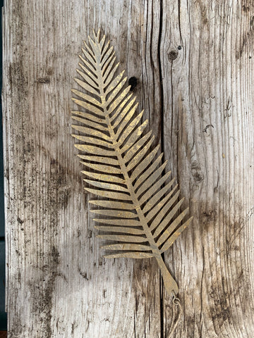 Metal hanging leaf