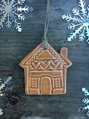 Ceramic gingerbread house - Home Bee